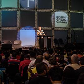 Conferência Fiel para Pastores e Líderes no Brasil